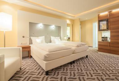 Moin Hotel Cuxhaven - Zimmer und Restaurant